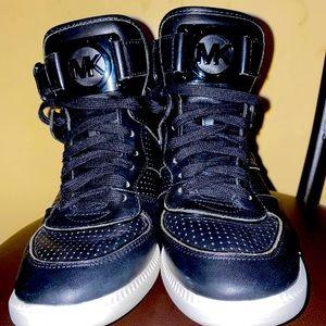 Women's Michael Kors Sneaker Hightop Black size 7M